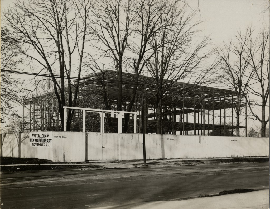 The Detroit Public Library under construction in 1915.